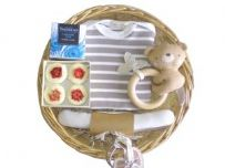 Little Robin Baby Gift Basket